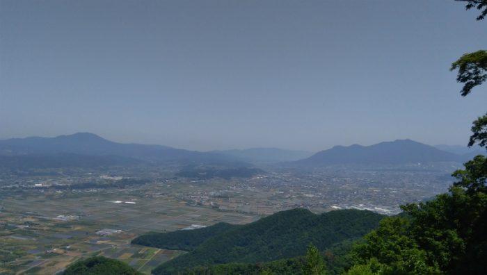雁田山から飯山斑尾方面景色
